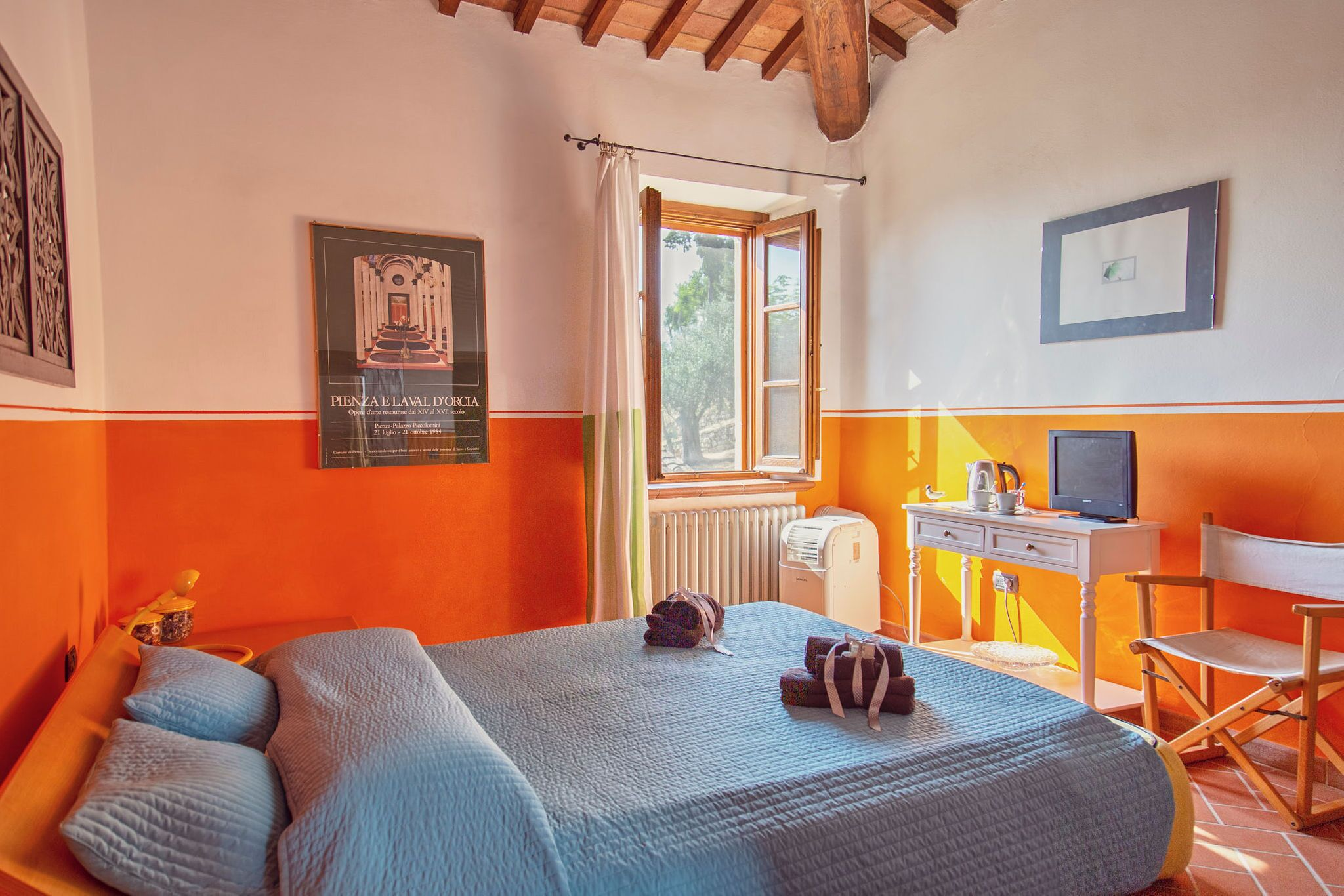 Luxury B&B In Monticchiello In Tuscany With Fantastic Views of the Val D'orcia