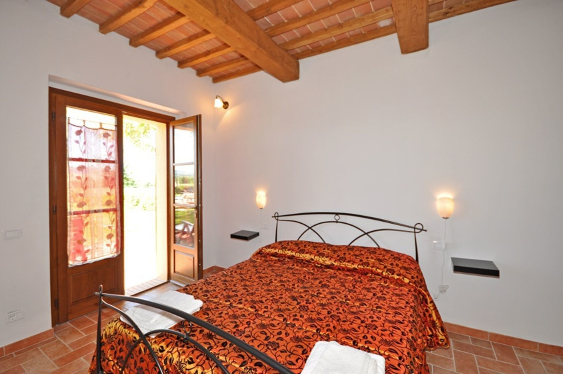 Lovely Apartment for 6 Guests With Wifi, Pool, Panoramic View and Parking, Close to Montepulciano