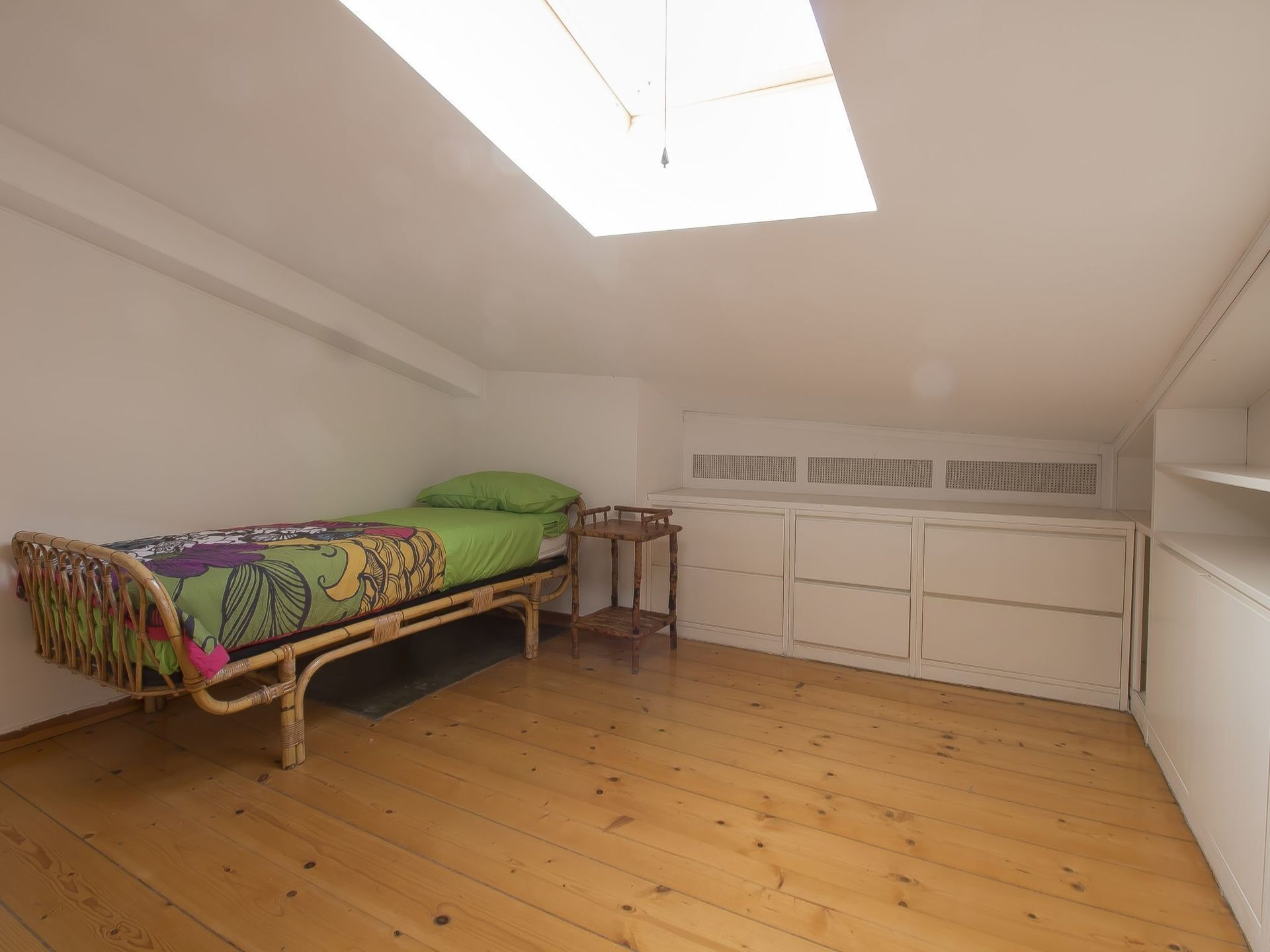 Cosy Apartment for 5 People With A/c, TV, Balcony and Parking